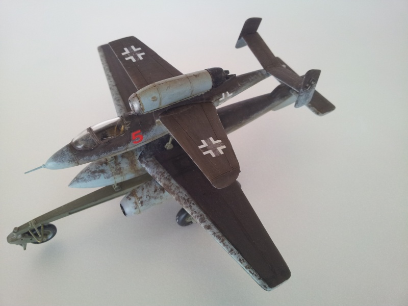 [Revell] Heinkel 162 et charge spéciale 2015-023