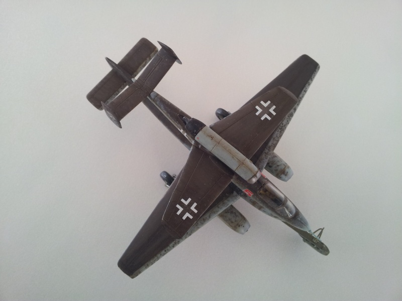 [Revell] Heinkel 162 et charge spéciale 2015-026