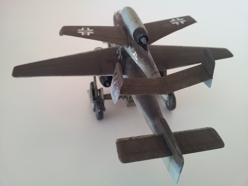[Revell] Heinkel 162 et charge spéciale 2015-029
