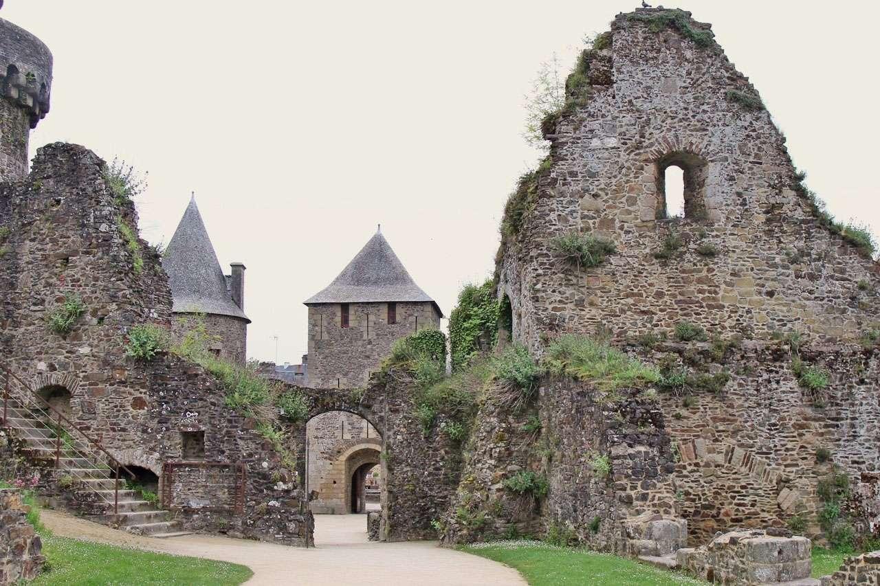 Ballade en ille et Vilaine - Fougères, Vitré et La Roche aux Fées 16051511