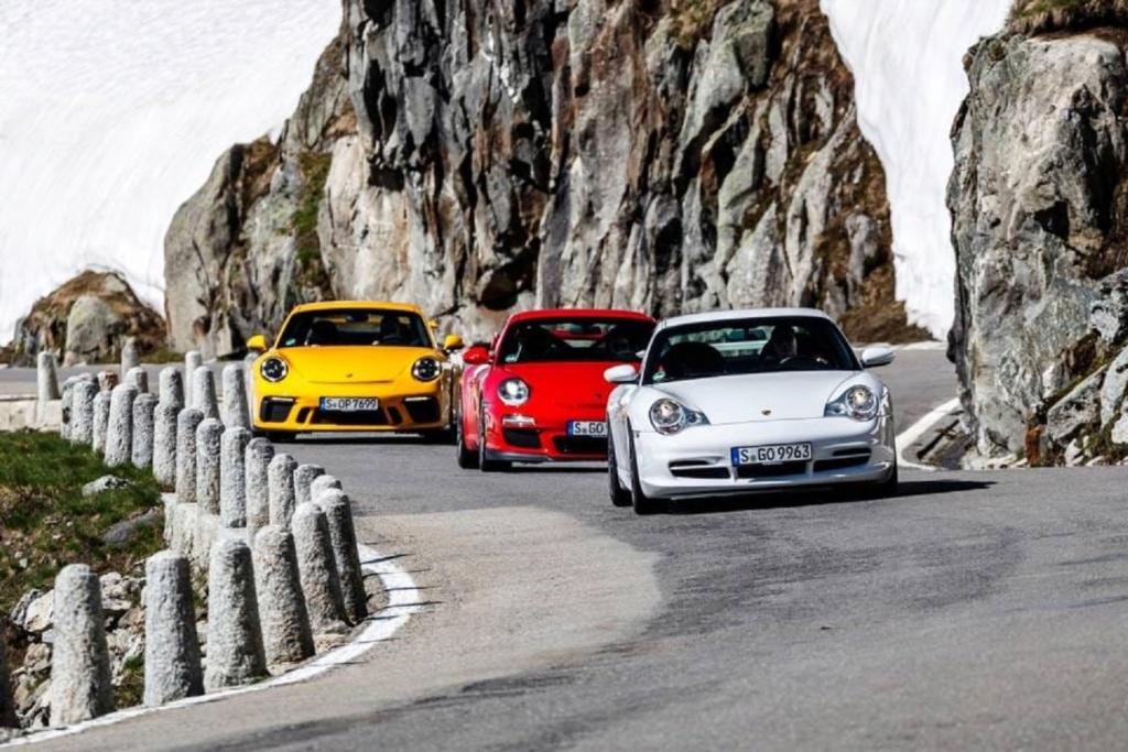 Une Belle photo de Porsche - Page 35 67181310