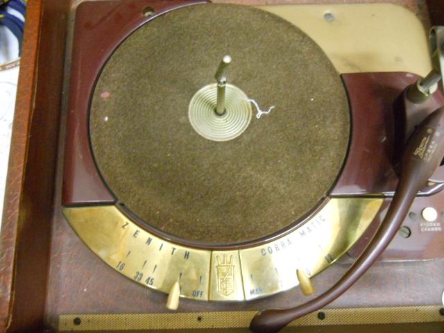 Zenith Cobra record player 00611