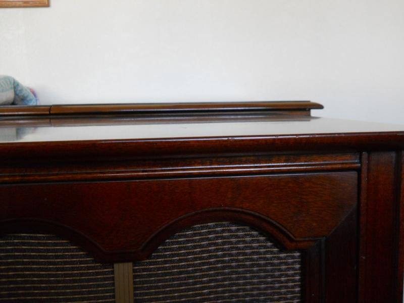 Restoration of a Magnavox Concert Grand model 1ST800F Dscn2613