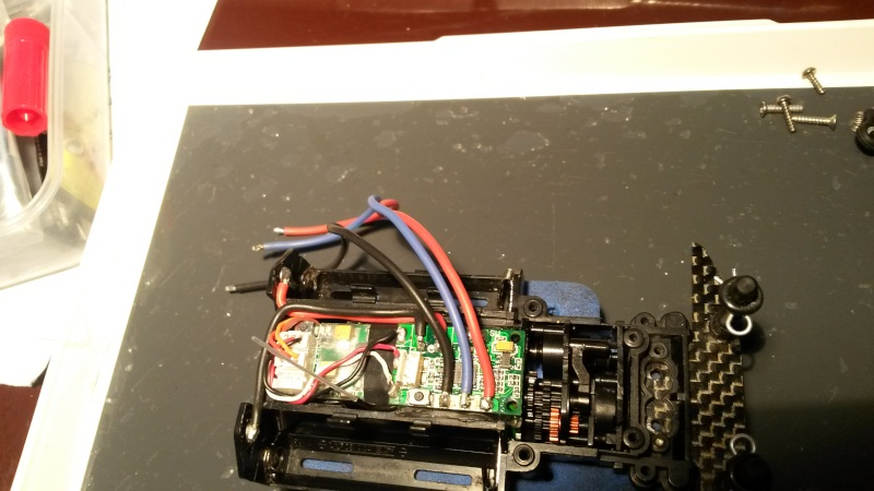 câblage platine servo amz sur mr03  20150411