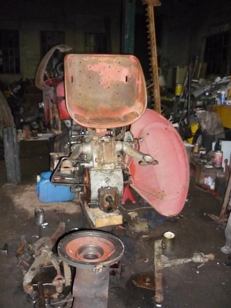 restauration - Restauration de mon Massey 825 (1961, moteur Perkins A4.107) Vue_ar10