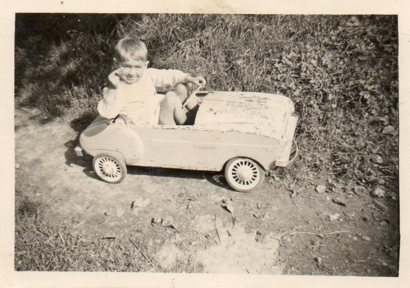 voitures à pédales Christ12