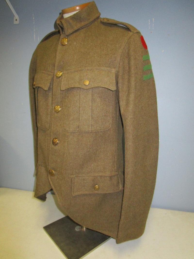 English badge of division. 110
