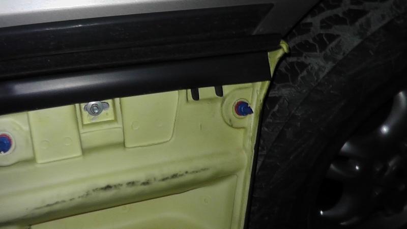 TUTO: Remplacement de la serrure de porte côté chauffeur S1350012