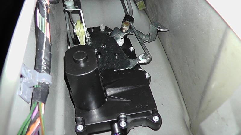TUTO: Remplacement de la serrure de porte côté chauffeur S1350021