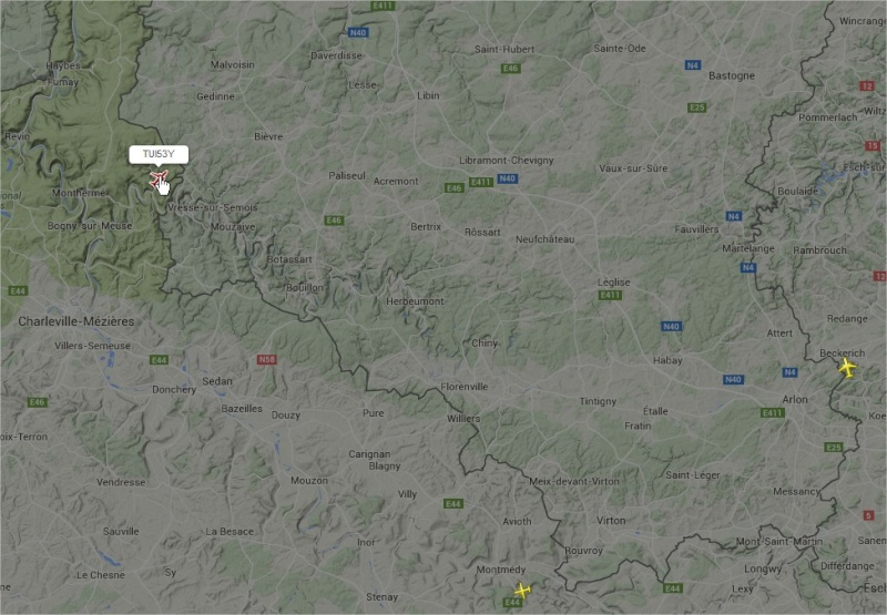 2015: le 22/05 à vers 21h42 - Objet étrange dans le ciel -  Ovnis à Grapfontaine Province de Luxembourg -  Avion110