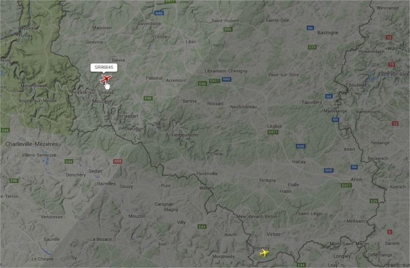 2015: le 22/05 à vers 21h42 - Objet étrange dans le ciel -  Ovnis à Grapfontaine Province de Luxembourg -  Avion210