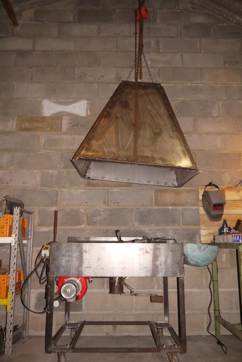 [Construction] Ma forge à charbon - Page 5 P1040745