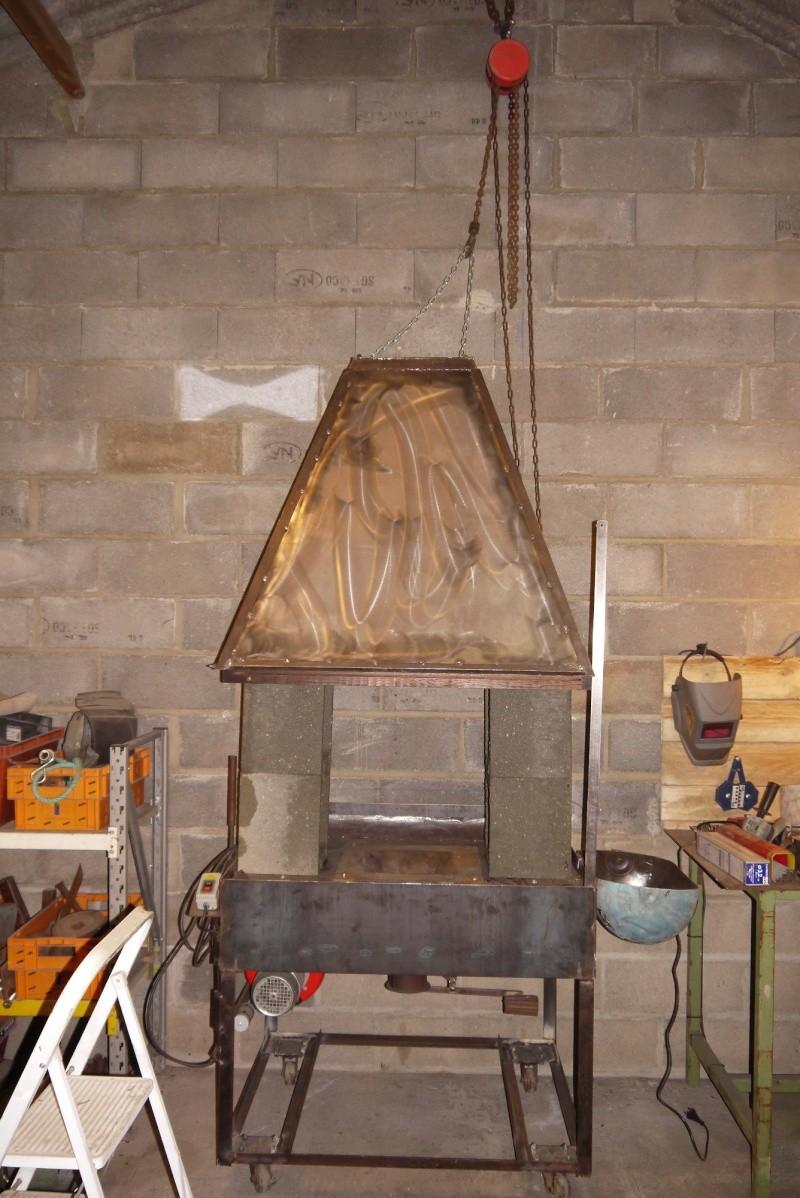[Construction] Ma forge à charbon - Page 5 P1040746