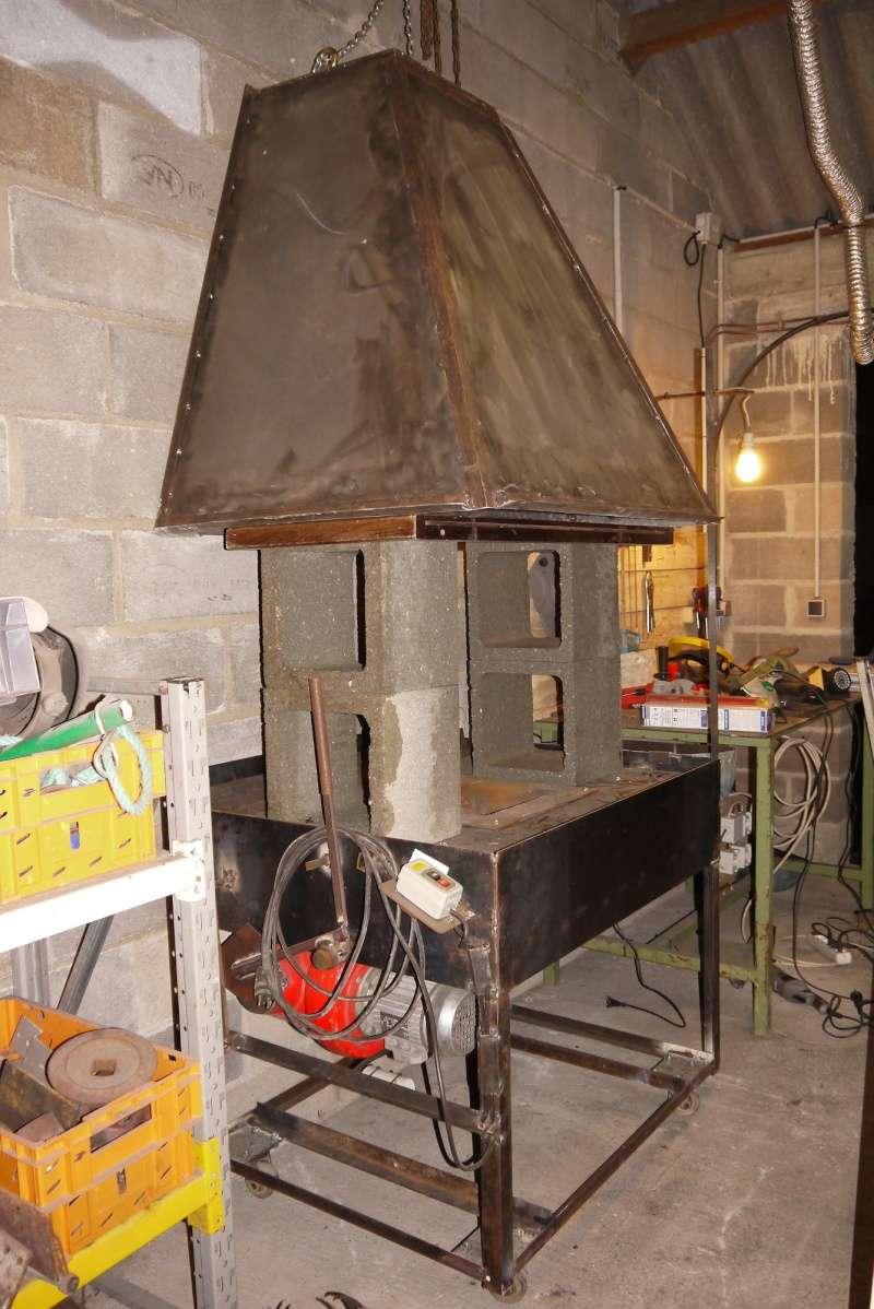 [Construction] Ma forge à charbon - Page 5 P1040747