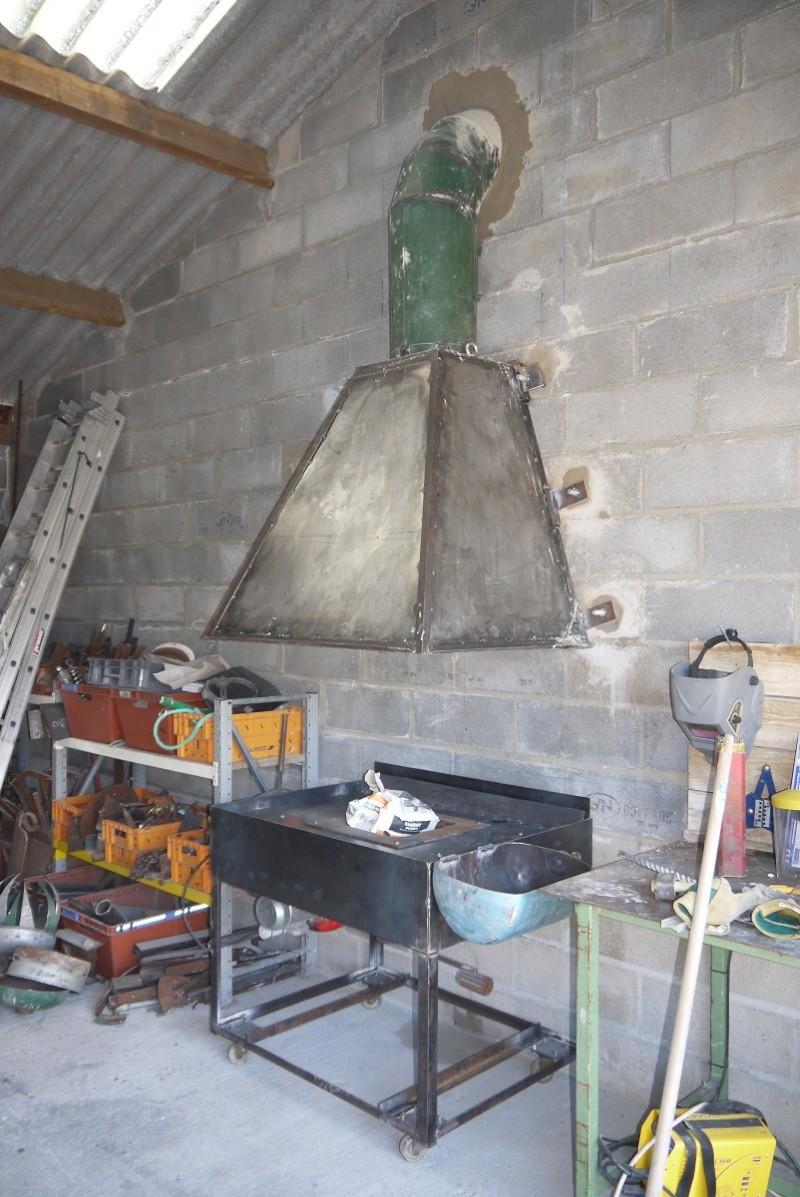 [Construction] Ma forge à charbon - Page 6 P1040818