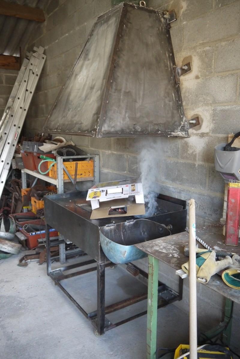 [Construction] Ma forge à charbon - Page 6 P1040820