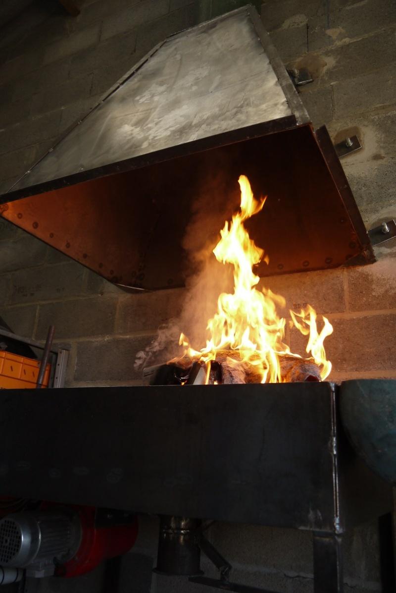 [Construction] Ma forge à charbon - Page 6 P1040821