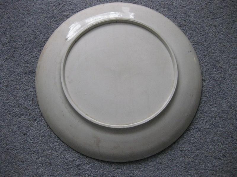 LARGE 15.5 INCH CHARGER - Art Nouveau? Italian Deruta?  Img_3825
