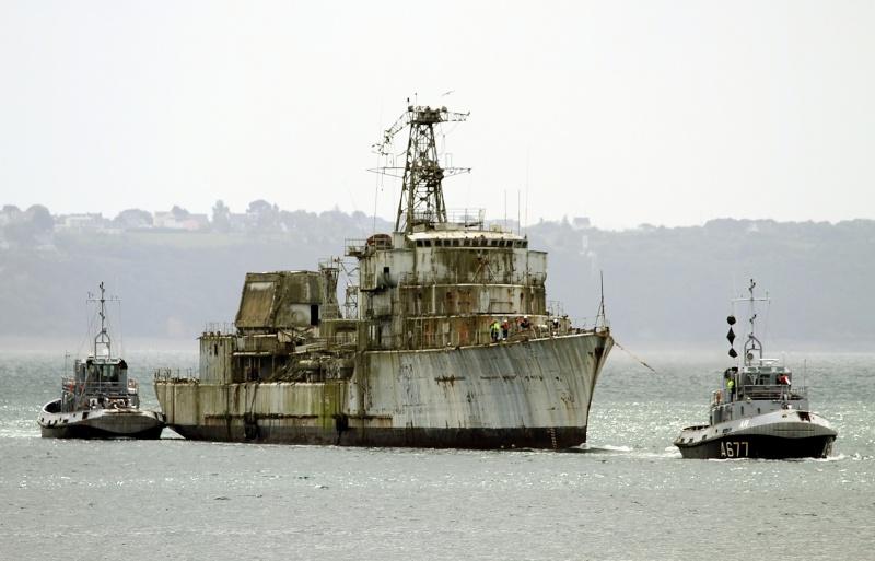 [Autre sujet Marine Nationale] Démantèlement, déconstruction des navires - TOME 2 - Page 2 Q682_e10