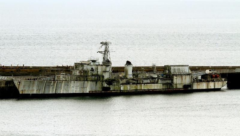 [Autre sujet Marine Nationale] Démantèlement, déconstruction des navires - TOME 2 - Page 2 Q682_e11