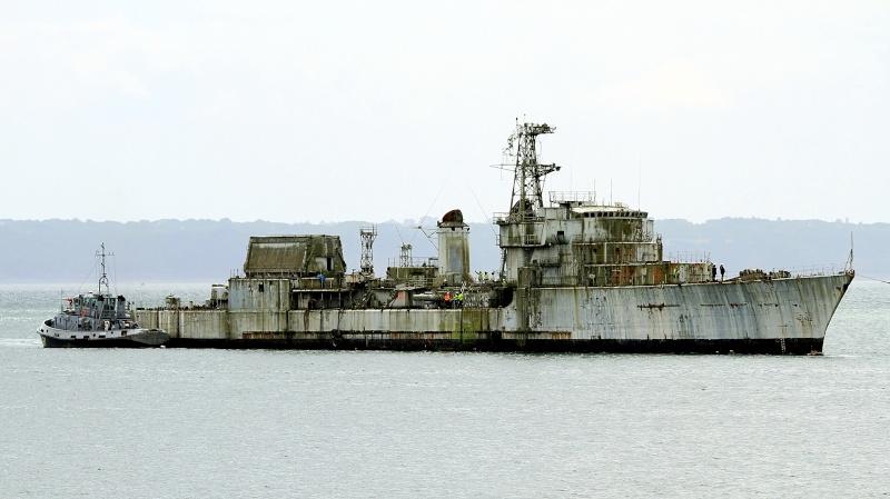 [Autre sujet Marine Nationale] Démantèlement, déconstruction des navires - TOME 2 - Page 2 Q682_e12