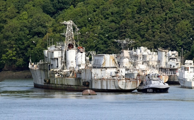 [Autre sujet Marine Nationale] Démantèlement, déconstruction des navires - TOME 2 - Page 2 Q682_e13