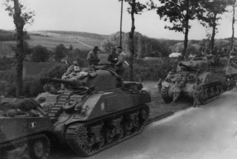 La 2/501 en route vers Châtel (sept. 1944) 44090311
