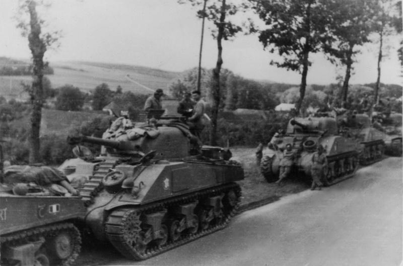 La 2/501 en route vers Châtel (sept. 1944) En_rou10