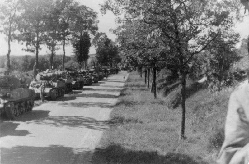 La 2/501 en route vers Châtel (sept. 1944) En_rou11