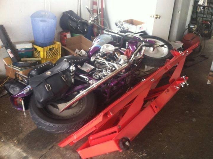 A qui est cette moto ? - Page 2 Harley10