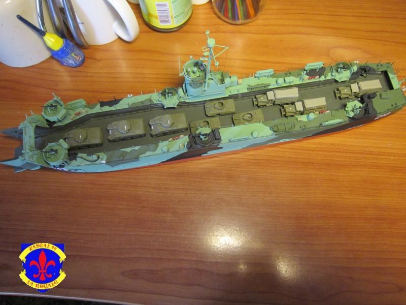 U.S. Navy Landing Ship Médium (Early) au 1/144 de Revell par Pascal 94 - Page 16 Img_4445