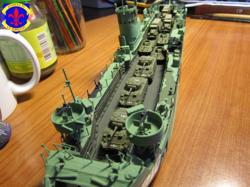 U.S. Navy Landing Ship Médium (Early) au 1/144 de Revell par Pascal 94 - Page 16 Img_4446