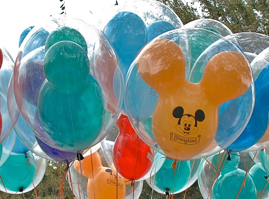 Quelle est la durée de vie d'un ballon Mickey ? - Page 4 Mickey10