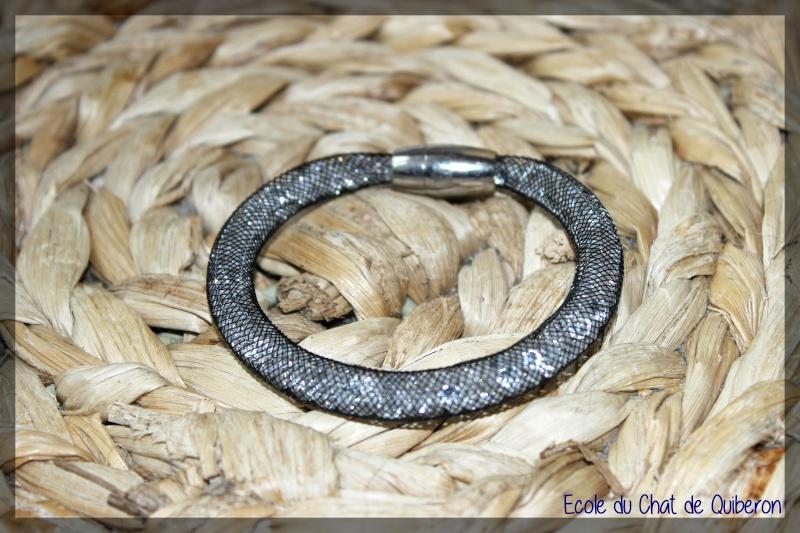 Les bracelets...100% Fait-main, au profit de l'ECQ! Bracel10