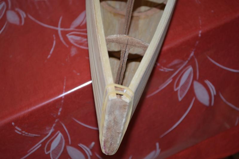 réalisation d'un voilier classe 1 mètre - Page 2 Dsc_0127