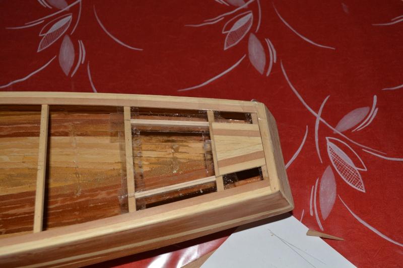 réalisation d'un voilier classe 1 mètre - Page 2 Dsc_0133