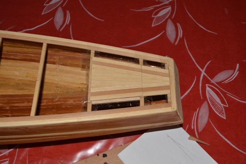 réalisation d'un voilier classe 1 mètre - Page 2 Dsc_0134