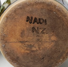 Nadi vase maker unknown  Nadi_n11