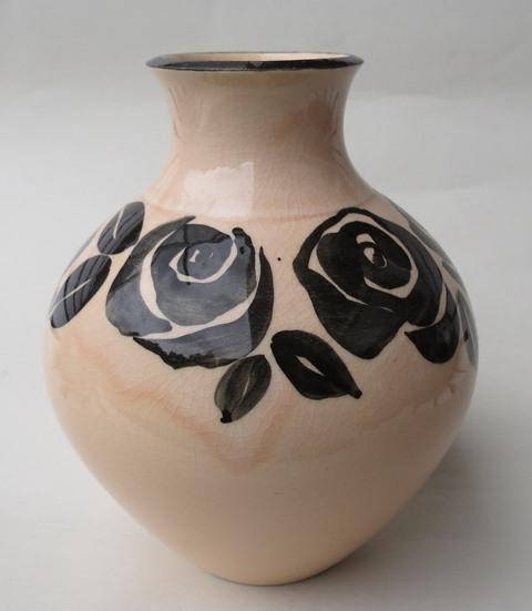 Sunnyvale vase hand painted  Sunnyv10