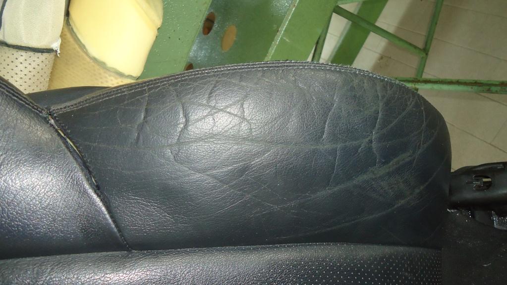 Rapida pulizia sedile in pelle mercedes SLK ormai logoro Dsc04116