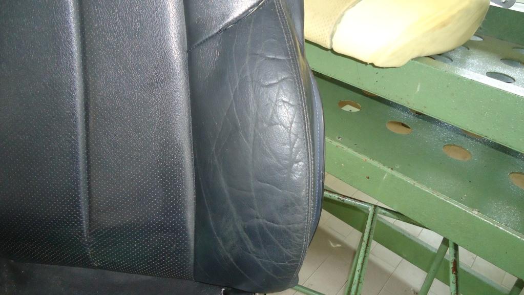 Rapida pulizia sedile in pelle mercedes SLK ormai logoro Dsc04117