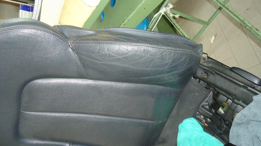 Rapida pulizia sedile in pelle mercedes SLK ormai logoro Dsc04118