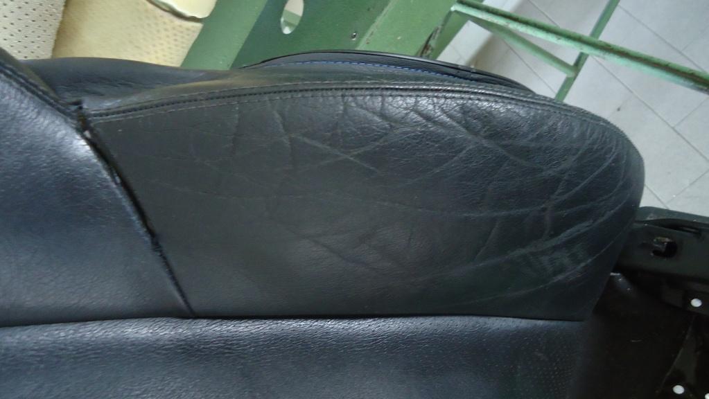Rapida pulizia sedile in pelle mercedes SLK ormai logoro Dsc04122