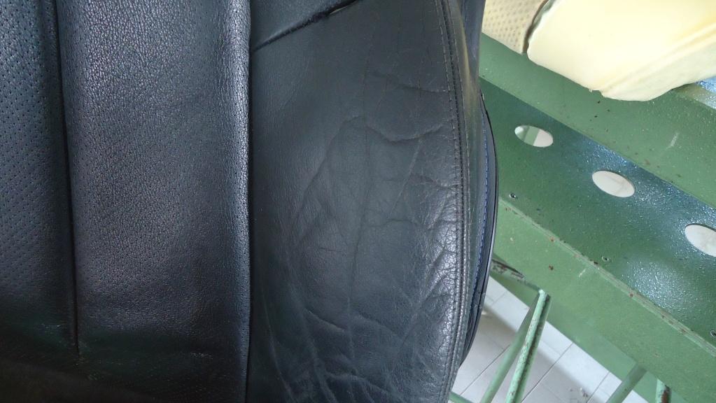 Rapida pulizia sedile in pelle mercedes SLK ormai logoro Dsc04123
