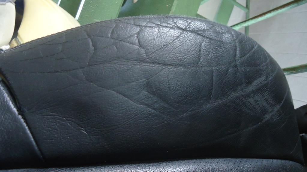 Rapida pulizia sedile in pelle mercedes SLK ormai logoro Dsc04124