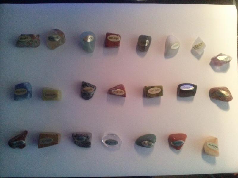 Kristalle bzw Heilsteine Cam00210