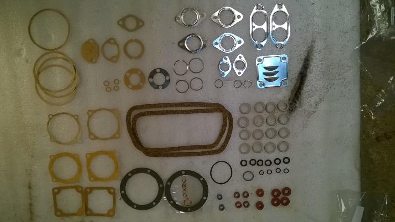 pochette joint moteur le detail de chaque joint Wp_20127