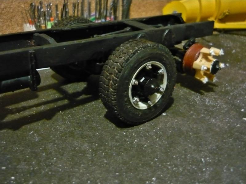 Mack RM 6X6 avec équipement a neige. - Page 3 P1130410