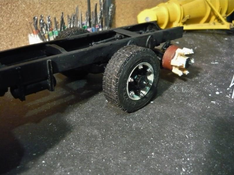 Mack RM 6X6 avec équipement a neige. - Page 3 P1130411