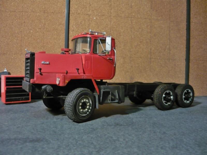 Mack RM 6X6 avec équipement a neige. - Page 4 P1130526
